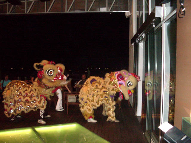 cny-lion-dance3